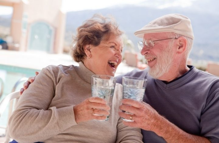 Dehydration and Dementia: 6 Ways to Get Elders to Drink More Water