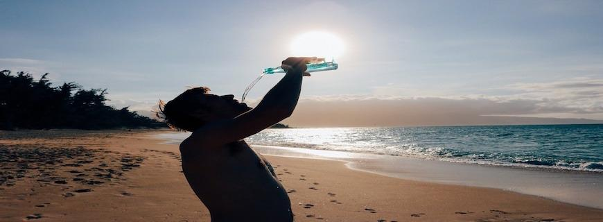 7 Ways Drinking Water Helps You Lose Weight [Water Therapy]